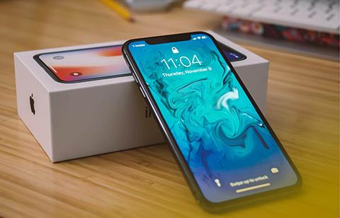 iPhoneX. Стоит ли купить сейчас?